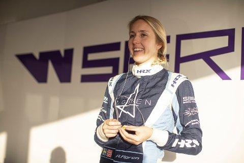 Ayla Ågren har all grunn til å smile bredt etter gladnyheten hun fikk mandag morgen.