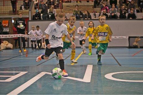 HEKTISK: I år stiller åtte flere lag enn i fjor i innecupen til Sætre IF Graabein.