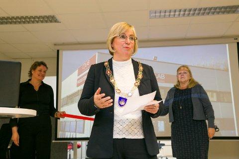 ÅPNING: Ordfører Eva Norén Eriksen har stor tro på Colab, og synes næringsrådet med Trine Skott-Myhre og Hilde Thorud har gjort en god jobb med grunnlaget.