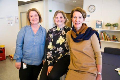 JORDMORTRIO: Avdelingsleder Unn Magda Espeseth for jordmortjenesten, jordmødre  Marte Hermansen og Camilla Remme Sørensen er jordmødre i Røyken kommune.