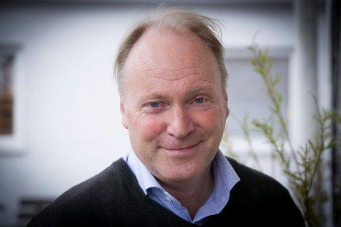 - Problemet i Asker sør er at veisystemet er mangelfullt, mener administrerende direktør Sten-Arthur Sælør i Slemmestad Brygge AS, som mener løsningen er et utvidet hurtigbåttilbud.