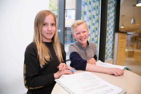 VIKTIG: Helene Ræder (13), Henrik Lund-Warholm (13) deltar som elevrepresentanter i SU og SMU på Spikkestad barneskole SU og SMU slår et slag for å beholde ordningen i nye Asker.