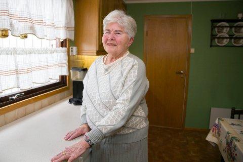 VIKTIG MED TILBUD: For rundt tre år siden fikk Kjellrunn Kjennset diagnosen demens med Lewy-legemer. - Tilbudet om dagsenter betyr mye. her treffer jeg andre og følger meg trygg, sier hun.