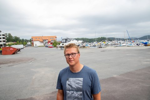 FORSLAG: Daniel Ingebretsen sier båtforeningen er villige til å finne en løsning, men da må også kommunen ha mer å tilby.