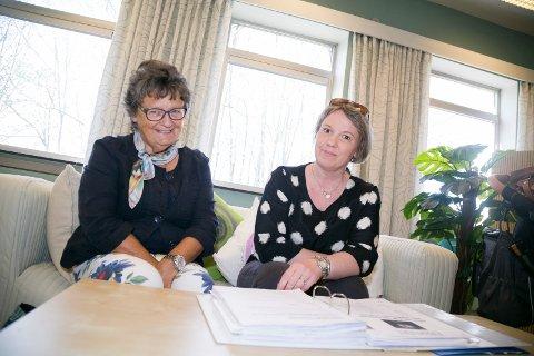 HÅPER: Mammaene Aase Løkkebø og Merete Holtet håper det blir slutt på venteliste til varig tilrettelagte arbeidsplasser for utviklingshemmede. – Det burde være mulig å forutse behovet, sier de.