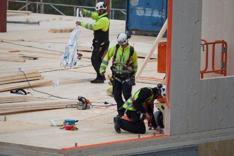 ARBEIDSMARKED: Det er 179 ledige jobber registrert innen bygg- og anlegg i Buskerud. (Illustrasjon)