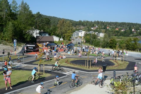 Heggedal sykkelpark er bygget av Heggedal Nærmiljøsentral.