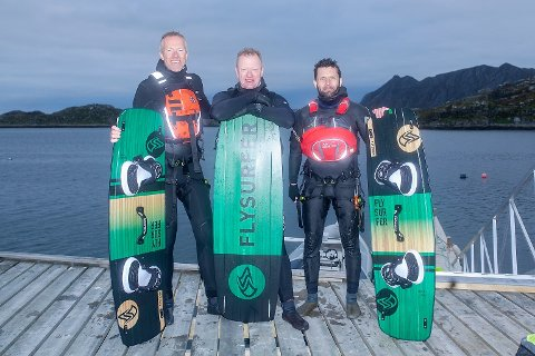 HISTORISKE: Nils Arne Ro, Øystein Whilhelm Ro og Klemet Store er de første kjente som har kitet rundt Nordkapp.