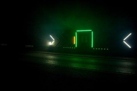 SKIFTES UT: LED-listene som ble montert i 2012 er blitt for gamle og skiftes ut i disse dager.