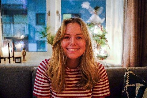 LIKER BØKER: Selv om Julie Lovise Green Holten kommer fra Nesøya engasjerte hun seg for Midtbygda høsten 2020.