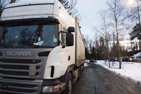 ANMELDT: En yrkessjåfør fant litt for sent ut at førerkortet hadde gått ut på dato i en kontroll utført av Statens vegvesen.