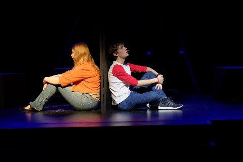 FERIEVENNER: Stykket handler om en gutt og en jente som bli venner i vinterferien.