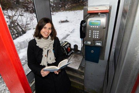 NYTT TILBUD: Tidligere i år etterlyste nestleder i Foreningen !les, faddere til de to telefonkioskene på Hurumhalvøya.