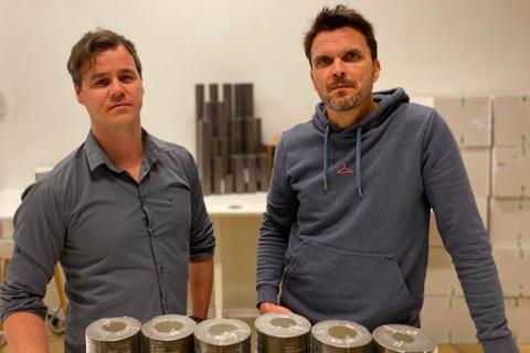 VEKST: Adrian Huer og Morten Iversen i Snus365.no opplever kraftig økning i salget på grunn av koronaviruset.