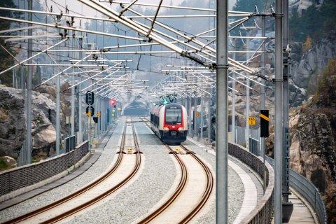 NESTEN: Togene går som normalt i sommer - nesten. Spikkestadbanen stenges i perioden 20. til 24. juli.