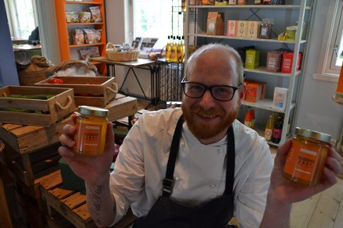 NY: Lars Kleven er klar med klokkerens honning - kortflydd sådan.