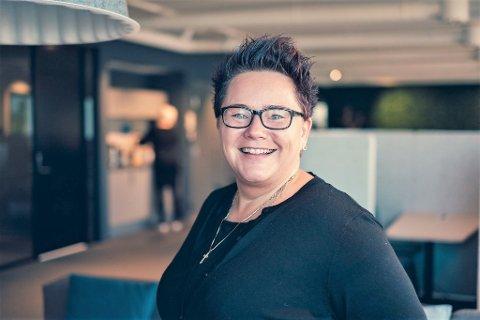 NOMINASJON: Line Johansen (47) fra Filtvet elsker særlig jakt, men også fiske. Profesjonelt jobber hun i energibransjen og er nå nominert til Årets Kraftkvinne.
