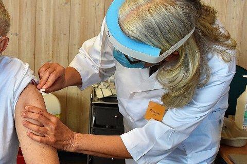 VAKSINE: Denne uken startet vaksineringen av folk i alderen fra 55-64 år i Asker.
