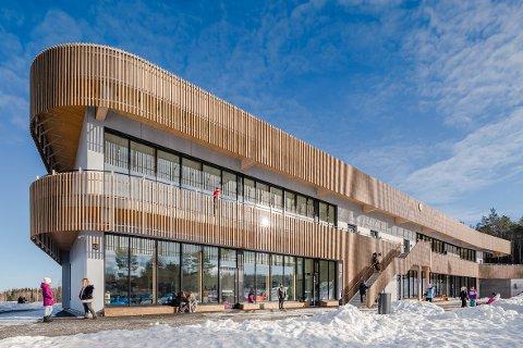 ÅRETS SKOLEBYGG: Torvbråten skole er kåret til årets skolebygg i Norge 2021. LINK Arkitektur står bak utformingen av bygget.