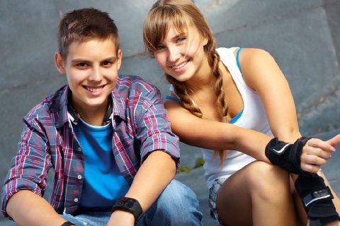 FRITIDSKORTET: Fra høsten vil alle barn og unge mellom 6 og 18 år få 1000 kroner i halvåret øremerket fritidsaktiviteter.