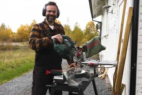 Eivind Holm Platou med ny bok: «Bygg selv». Foto: Lena Malnes