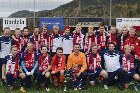 Gruppebilde: Sande SK fotball. Foto: Sande SK/Eirik Hanssen