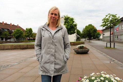 Ordfører Elin Gran Weggesrud skal møte innbyggerne på sosiale medier med et nettmøte.  Her kan man stille spørsmål og få svar i organiserte former.