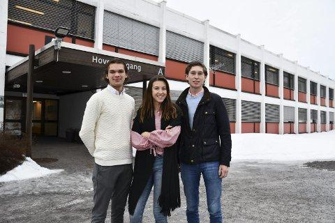 Reagerer: Aleksander Abel Wøllo, Ada Baklund Engnes og Hans Kristian Moss Evensen fra russestyret i Sande reagerer på voksnes generalisering av russen.