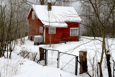 KOMMUNEN VIL KJØPE DENNE: Denne hytta på Smørstein blir trolig kommunens eiendom