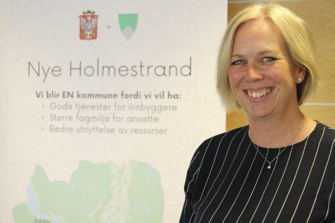 Klar: Elin Gran Weggesrud gleder seg og er klar til å innta rådhuset i Holmestrand. Det første hun skal gjøre er å flytte ordførerkontoret.