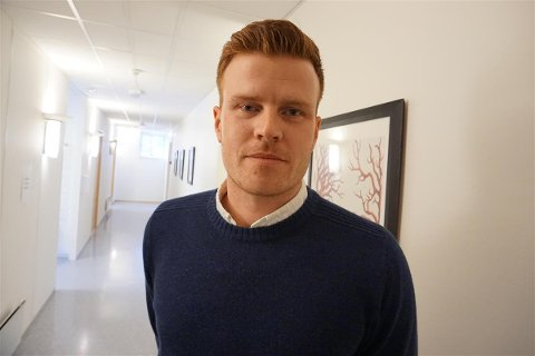OPPFORDRING: Andreas Thunes  ber folk om å følge gjeldende råd og regler.