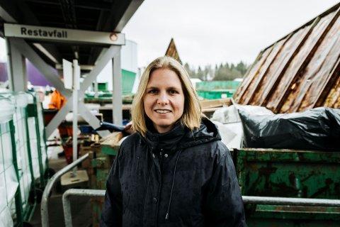 OPPFORDRER TIL BEDRE SORTERING: Kristina Mørk Jacobsen, prosjekt- og leverandøransvarlig i Vesar.