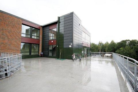 En egen avdeling for koronasmittede på Veset har skapt reaksjoner blant noen av de pårørende til beboerne ved sykehjemmet.