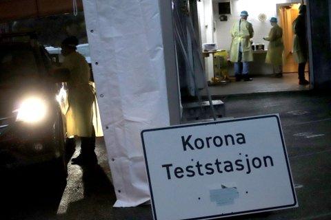 TESTING: Kommuneoverlege Ole Johan Bakke oppfordrer innbyggerne i Holmestrand kommune om å ha lav terskel for å teste seg ved mistanke om korona-smitte.