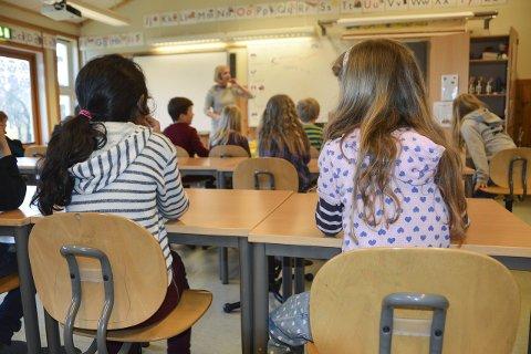 FØRSTE SKOLEDAG: Snart skal mange barn i Sandefjord ha sin aller første skoledag. I høst blir mye annerledes på grunn av koronaviruset, men skolene har beredskapsplanene klare.