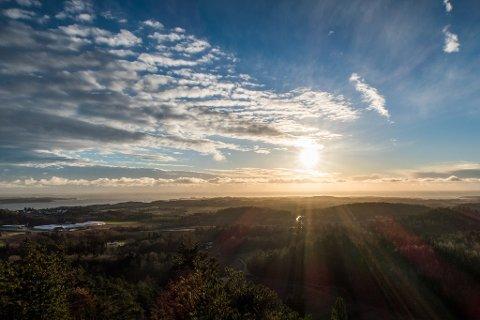 Utsikten fra Salsås er utrolig fin. Salsås anbefales som én av de flotteste fotturene i Vestvold.