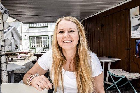 BEKLAGER: Daglig leder av Bakgården Café, Lotte Gaarder. Foto: Flemming H. Tveitan