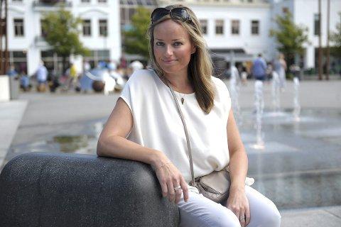 Satser internasjonalt: Hege Skjerven Johansen håper utlandet vil smykke seg med hennes design. Begge foto: Per Langevei