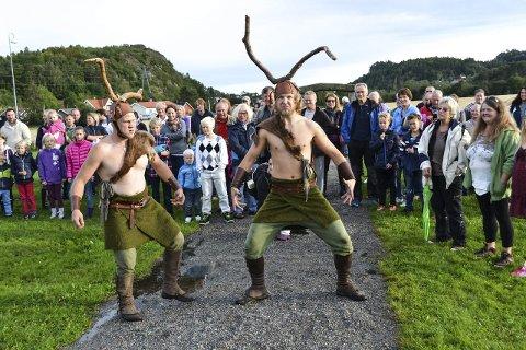 Dratt inn: Publikum ble tatt imot ved inngangen til Gokstadhaugen og dratt inn i eventyret. Alle Foto: Paal Even Nygaard
