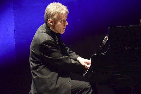 Udødlige svisker: Håvarde Gimse spilte Beethoven i Hjertnes kulturhus fredag. Foto: Flemming Hofmann Tveitan