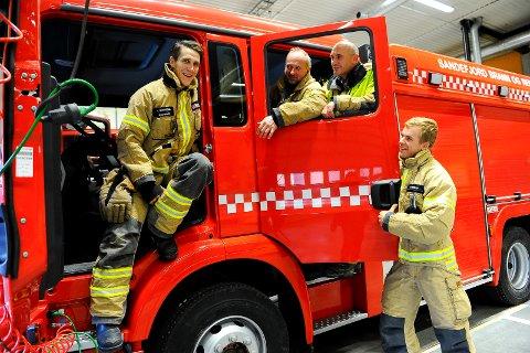 Heies frem av D-laget på Sandefjord brannstasjon. f.v: Trond Skuggedal, Stein Flakstad, Oscar Eliassen og Anders Morken. Tor Nilsen og Knut Thomas Ueland var ute på viktigere oppgaver.