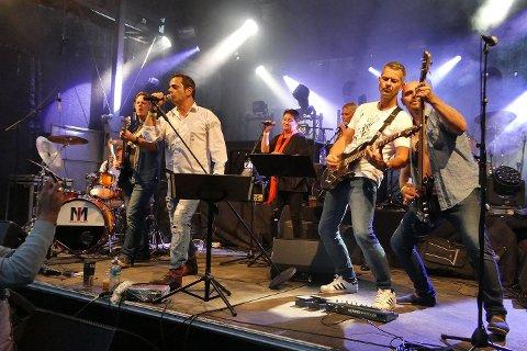 FESTBAND: Mirror Image er blitt et populært partyband i Sandefjord. (Foto fra bandets Facebook-side)
