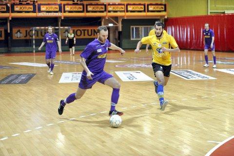 TRE KAMPER: Lars Flatøy og Sandefjord Futsal er klare for seriestart i Jotunhallen med tre tøffe oppgjør.
