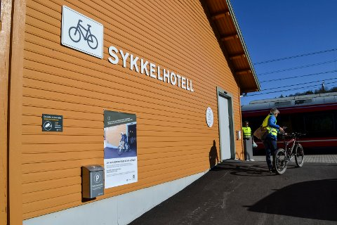 Tyveri fra sykkelhotellet på togstasjonen i Sandefjrod.