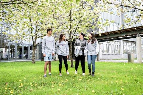 Vil ha tilbake narkobikkja på skolen. Fra venstre: Theodor Gleditsch, Tanja De Wilde, Rasma Selman og Hevidar Alali.