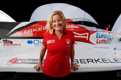 I VERDENSTOPPEN: Marit Strømøy kjører VM-runder med verdens beste båtkjørere.