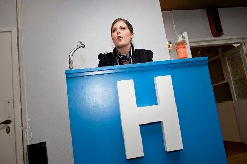Lene Westgaard-Halle bør stå øverst på nominasjonslista, mener Vestfold Unge Høyre.