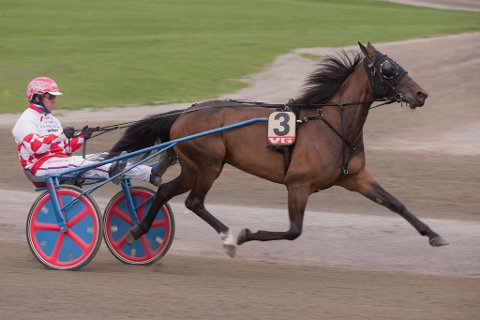 Her ser vi Åsbjørn Tengsareid kjøre La Reina.
