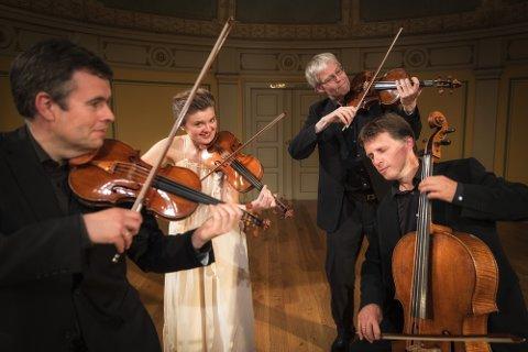HISTORIEFORTELLERE: Musikerne i Oslo String Quartet kommer nok til å spille på de humoristiske strengene i tillegg til de klassiske strengene.