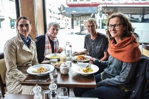 LOKAL MAT: Forskere fra Høgskolen i Oslo og Akershus arrangerer debattmøte om lokal mat generelt, men i særdeleshet om lokal fisk. Fra venstre: Hanne Torjusen, Virginie Amilien, Gunnar Vittersjø og Gun Roos.